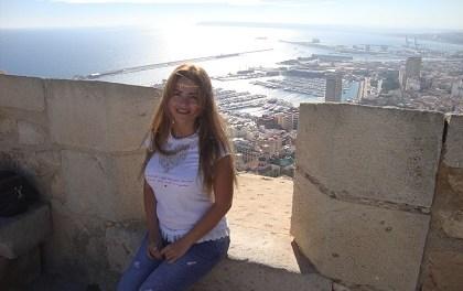 Nesrine Khoury, poeta i novel·lista de Síria que ara escriu des d'Alacant
