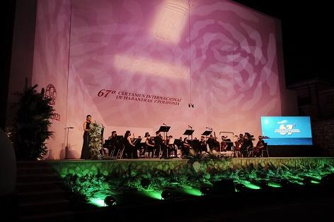 Torrevieja inaugura el segundo Certamen de Habaneras de la 'era COVID' reinventándose en formatos y haciendo una apuesta decidida por la cultura segura