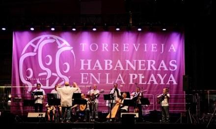 Torrevella recupera la nit d'Havaneres a la platja cinc anys després de la seua última actuació