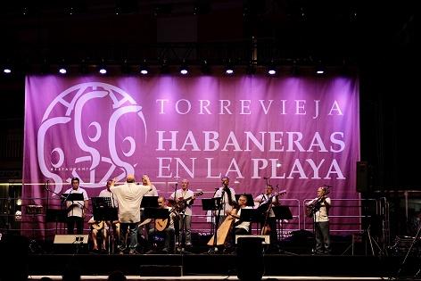 Torrevieja recupera la noche de Habaneras en la playa cinco años después de su última actuación