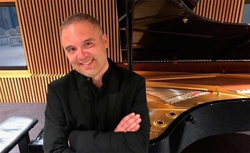 El gran pianista francés Pierre Boucharlat ofrecerá este viernes un concierto en l'Alfàs del Pi