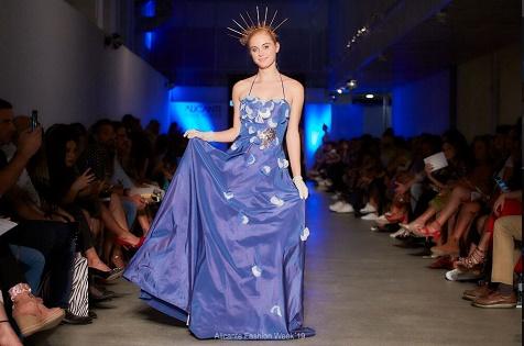 Vuelve la pasarela de la moda con la 'Alicante Fashion Week' en los escenarios del puerto e Impulsalicante