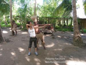 Philippine fun divers alona beach panglao bohol adventure trip loboc river ate tribe rena sugiyama bow and arrow shooting 1024x768