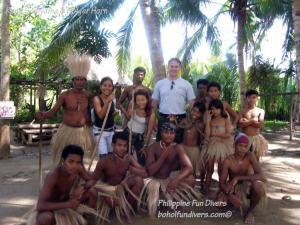 Philippine fun divers alona beach panglao bohol adventure trip loboc river ate tribe family picture 1024x768