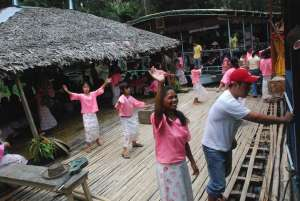 Floating restaurant loboc riverwatch bohol balsa livelihood project2