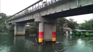 Floating restaurant loboc riverwatch bohol kids under the bridge
