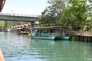 Loboc riverwatch floating restaurant loboc river bohol philippines 063