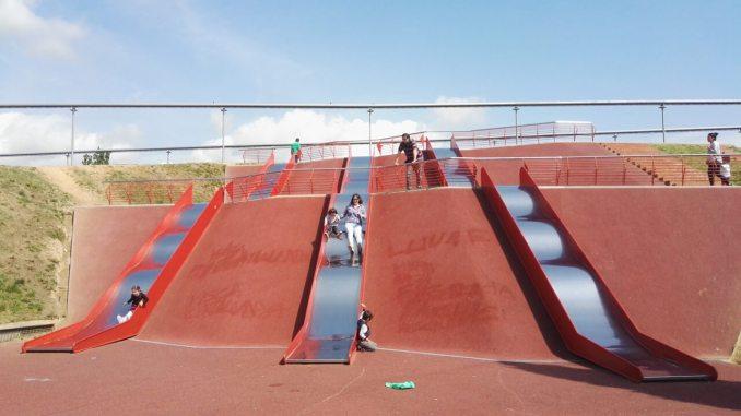 toboganes gigantes parc solidaritat barcelona
