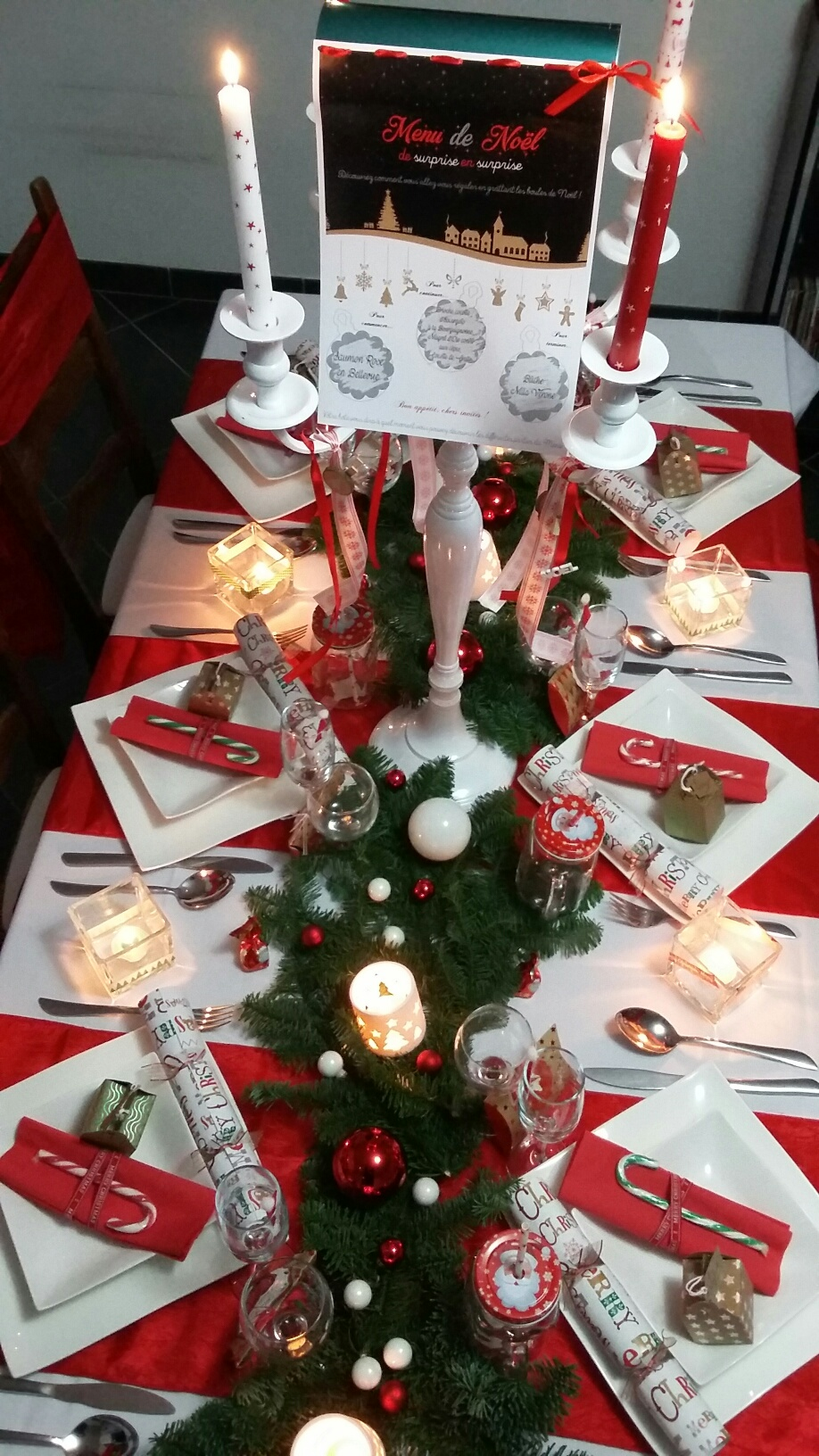 Interesting Table Top View With Deco Table Noel Rouge Et Blanc