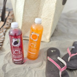 What's in My Beach Bag – Beach Essentials List