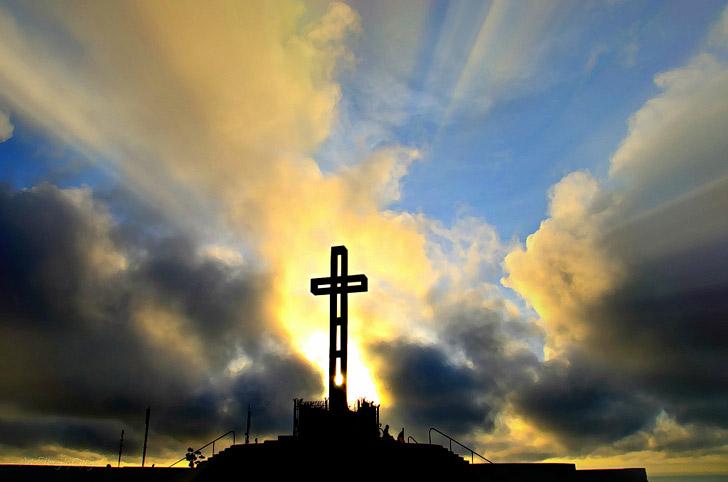 Mount Soledad Veterans Memorial (25 Free Things to Do in San Diego).