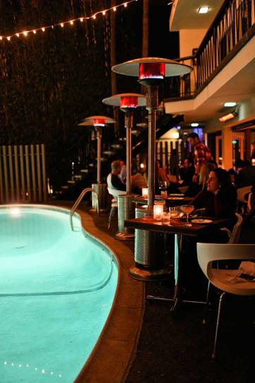 The Pearl Hotel San Diego CA - Good food + Weekly Dive in movie experience // localadventurer.com