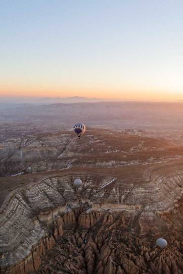 Cappadocia Hot Air Balloon Rides are Magical and definitely worth putting on your bucket list! // localadventurer.com