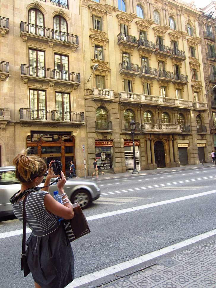 Travel with Christine Lakin - Behind the Scenes / localadventurer.com