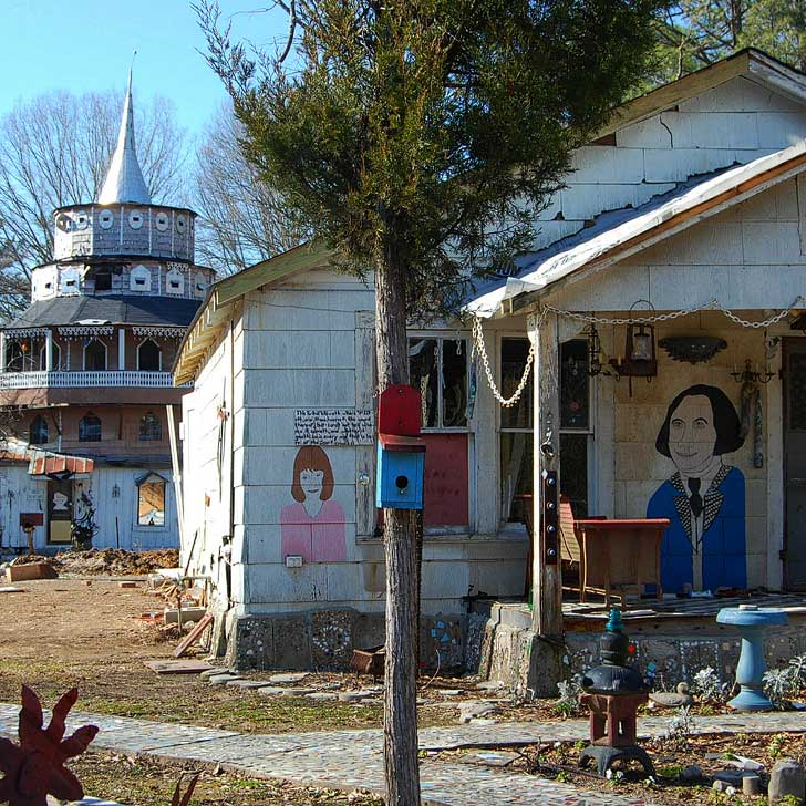 Summerville Georgia - tiny mountain town that hosts lots of festivals and has park attractions and friendly locals. Also, check out the Paradise Garden, which reminds us of Salvation Mountain and Slab City // localadventurer.com