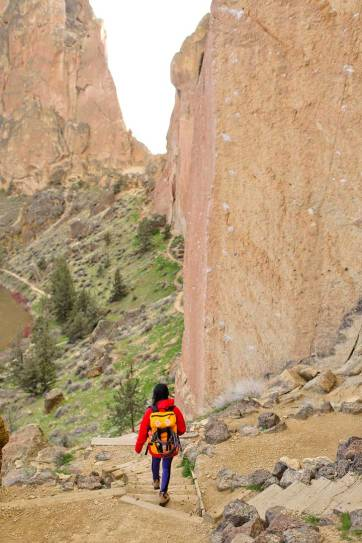 Smith Rock Trails - Smith Rock in Oregon is a great place to go rock climbing. It's the birthplace of sport climbing in the US, but also offers great hikes with scenic views. See the ultimate guide to the park here // localadventurer.com