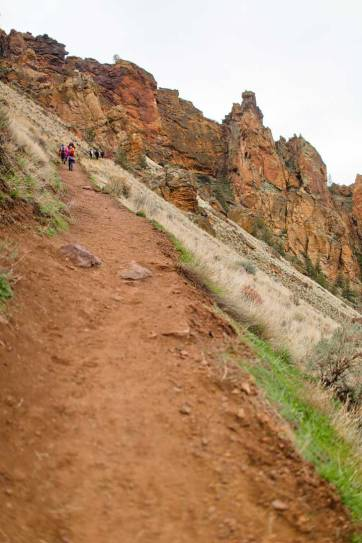 Smith Rock Misery Ridge Trail - iconic hike in Smith Rock State Park offers scenic views of Crooked River and Monkey Face. Check out detailed info on the hike here // localadventurer.com