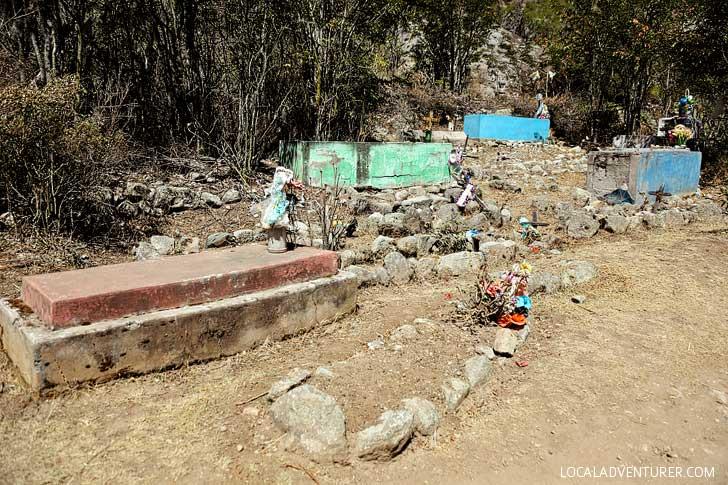 Graves along the Machu Picchu Trail // localadventurer.com