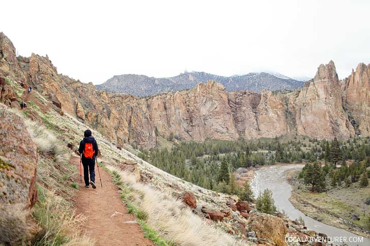 Misery Ridge Trail Smith Rock Hike - iconic hike in the park offers scenic views of Crooked River and Monkey Face. Check out detailed info on the hike here // localadventurer.com