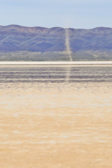 Alvord Desert in Oregon + What You Need to Know Before You Go // localadventurer.com