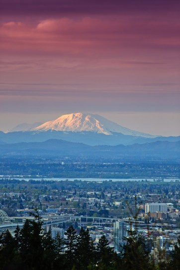 Council Crest Park + 13 Amazing Cityscapes and Views of Portland Oregon // localadventurer.com