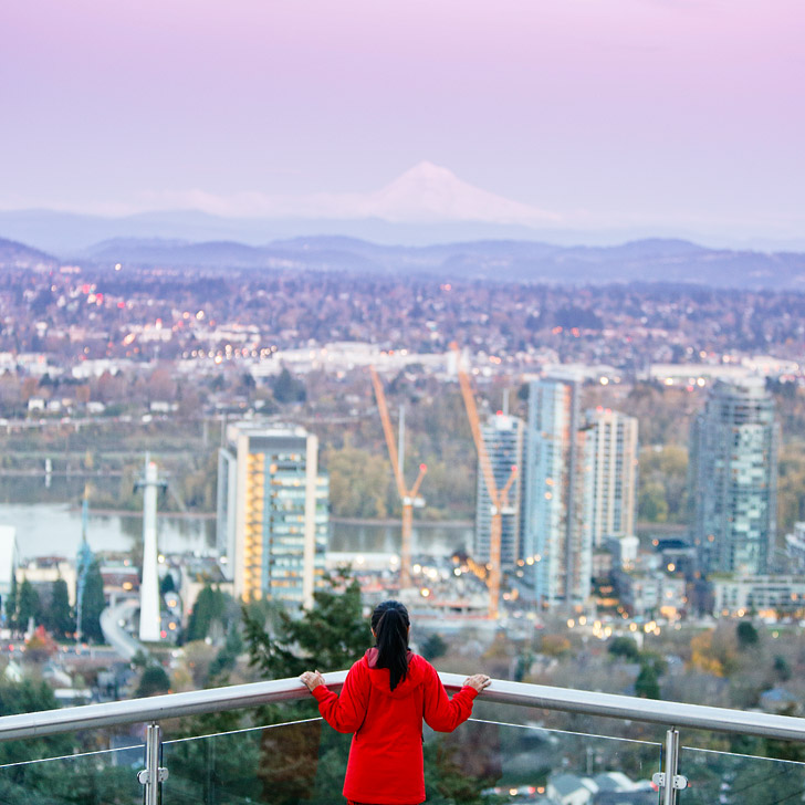 Portland Aerial Tram + 13 Beautiful Photography Spots in Portland Oregon // localadventurer.com