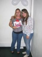 Gisele da Silva Gomes (recuperadora premiada filial Vitória) e Camilla Anizio (coordenadora filial Vitória)