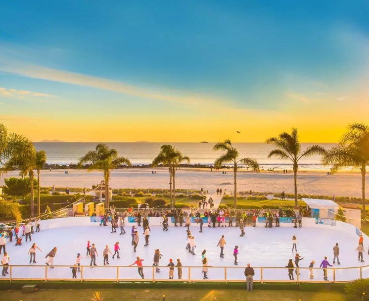 hotel-del-coronado-ice-skating-1114x909