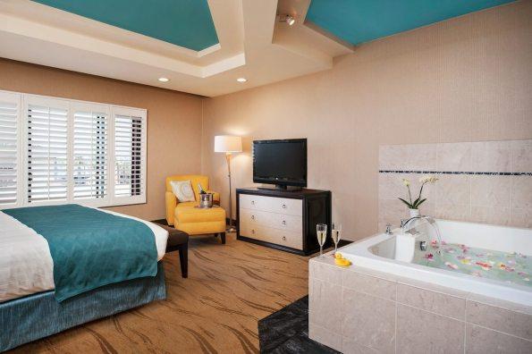 Empress-Hotel- La Jolla-CA- Spa Suite