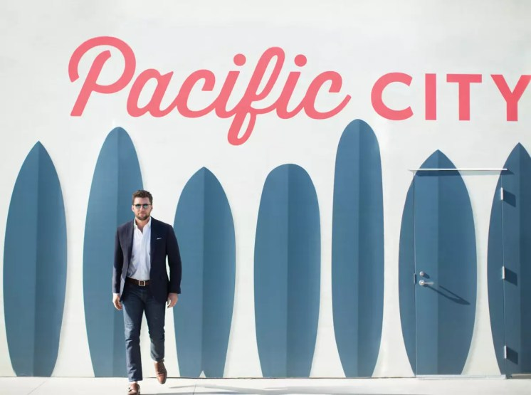 OC Apirl-Go Profile - Stenn Parton at Pacific City-Bradley Blackburn-sRGB-03