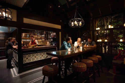 5_CROWNS_Cooper's Bar