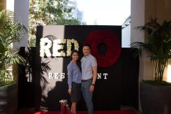 red-o-la-jolla-step-repeat-10