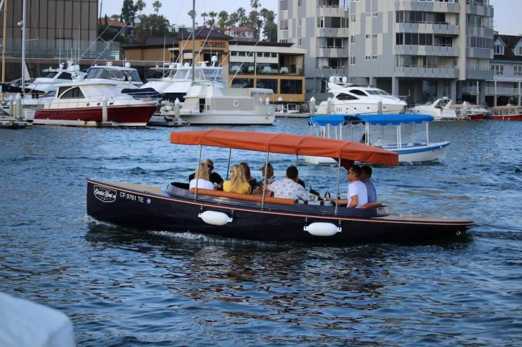 Electric Boat Rental3