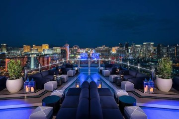 Eat Dinner in Las Vegas Nightclubs