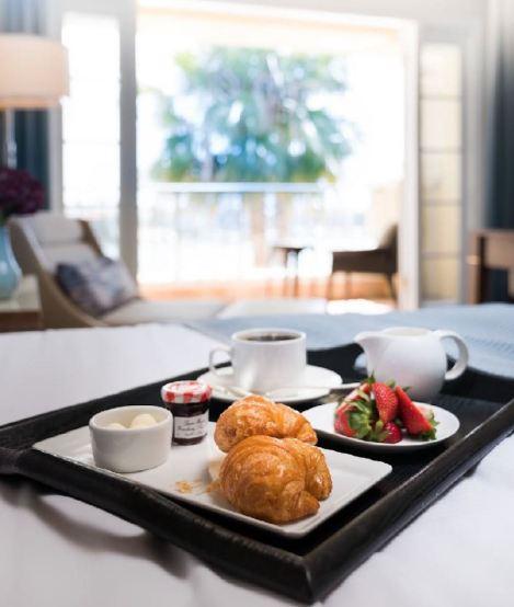 BBR_Breakfast in Bed - vert