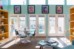 3 windows Airbnb