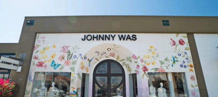 Gardens on El Paseo_StoreFront-JohnnyWas-2018