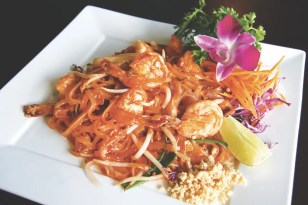 Lemon Thai Cuisine_5 Points Plaza_padthai