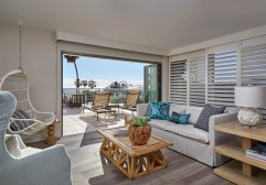 Loews Santa Monica_LSMB_81915368_Boho_Suite_Living_Room_6025x4218