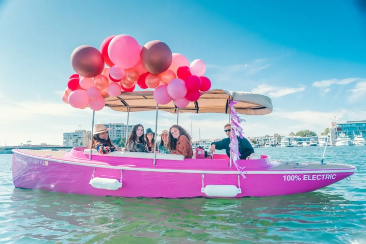 Photography Provided By: Lido Electric Boat Rental