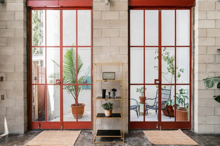 Airbnb Little Italy 3