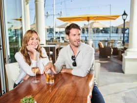 Balboa Bay Resort_A&O_COUPLE INSIDE