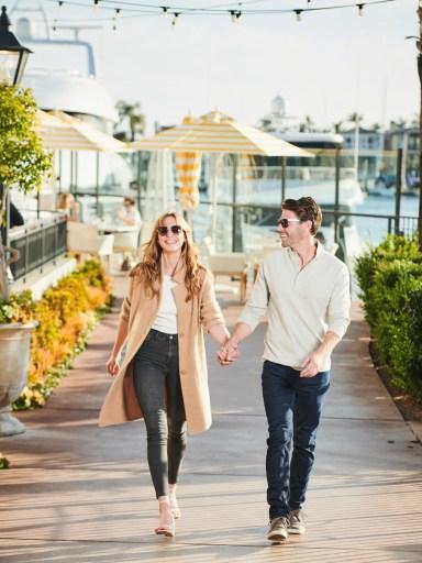 Balboa Bay Resort_A&O_COUPLE WALKING