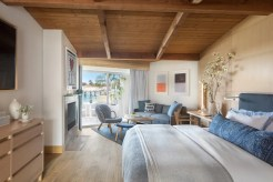 Malibu Beach Inn room 317 in Malibu, CA. Photographed by Lisa Romerein