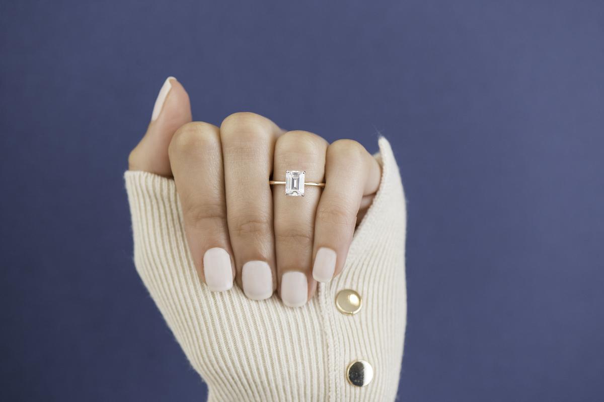Clean Origin_emerald engagement ring (1)