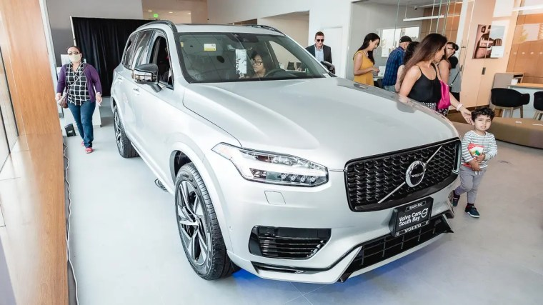 20210709_Rachel Hoops_Torrance Volvo Grand Opening-26
