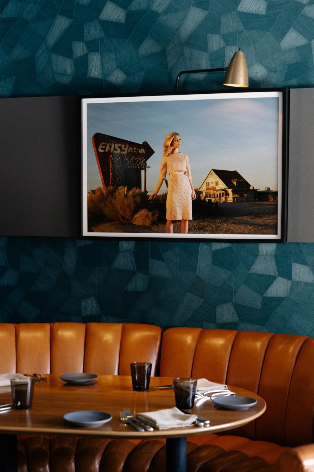 Nick + Stef's Steakhouse_Modern dining room at Nick + Stef's Steakhouse-min