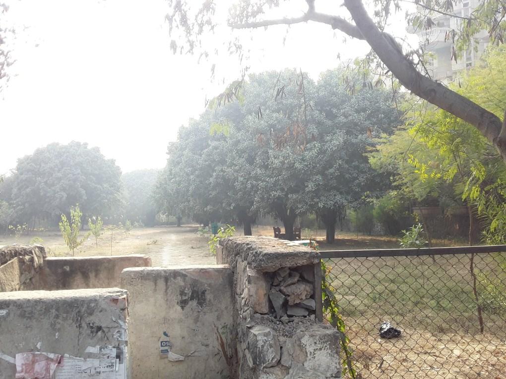 park beside bandhu vihar 2 sector 10
