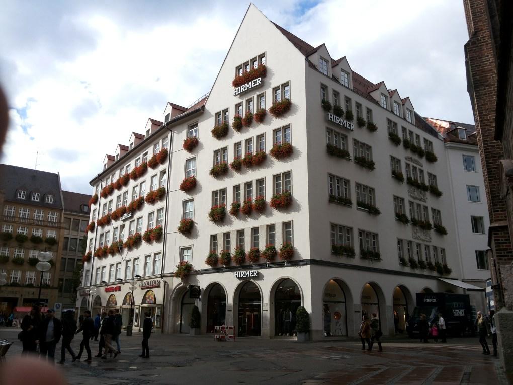 tourist districts marienplatz munich
