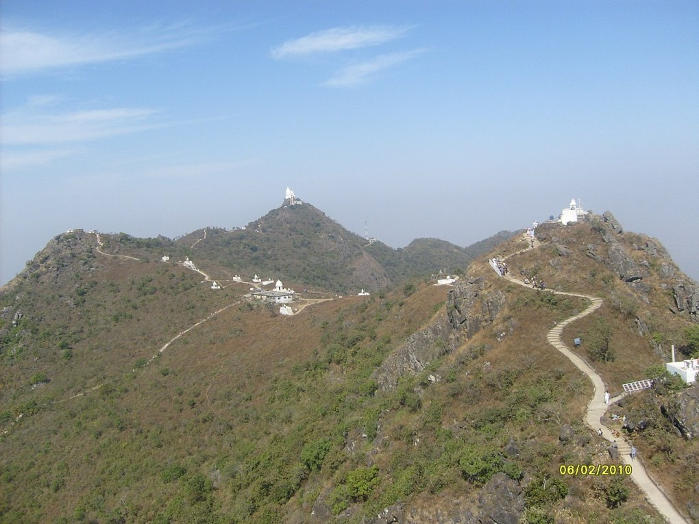 parasnath railway station parasnath hill shikharji temples